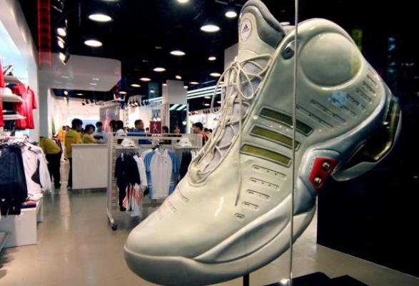 疯狂的球鞋生意!