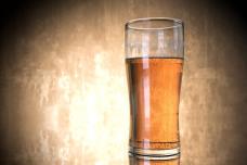 """连德国人都不爱喝啤酒了种几乎?销量逐年减少卖糖果,""""无酒精""""啤酒逐渐走红"""