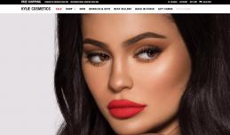 """《福布斯》最新榜单:""""金小妹"""" Kylie Jenner 超过姐夫""""侃爷,成为2020年收入最高的名人"""